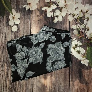 (Croft & Barrow) Black Floral Maxi Skirt